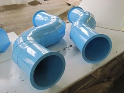 На фотографии - пластиковые круглые воздуховоды для вентиляции