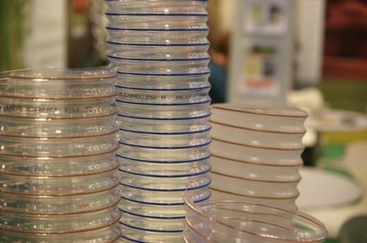 Одна из разновидностей гибких воздуховодов: прозрачный