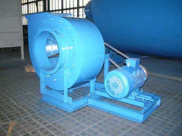 Промышленный вентилятор для вытяжки