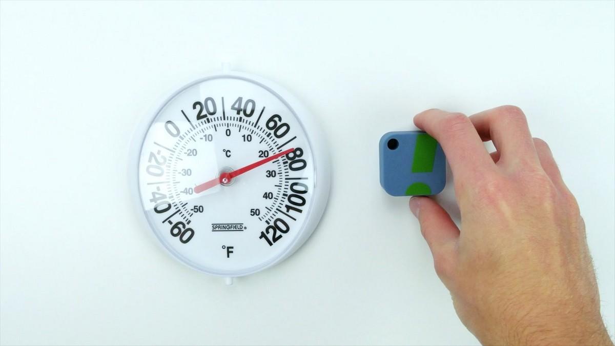 Гигростат и гигрометр в увлажнителе воздуха