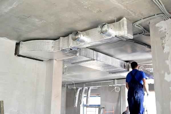 montazh-ventilyacii-iz-plastikovyh-trub